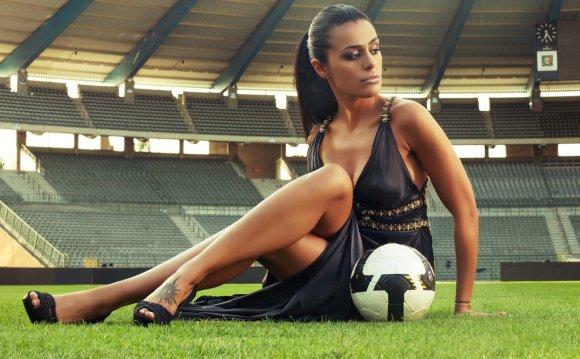 W3897 24 x38 Soccer Football