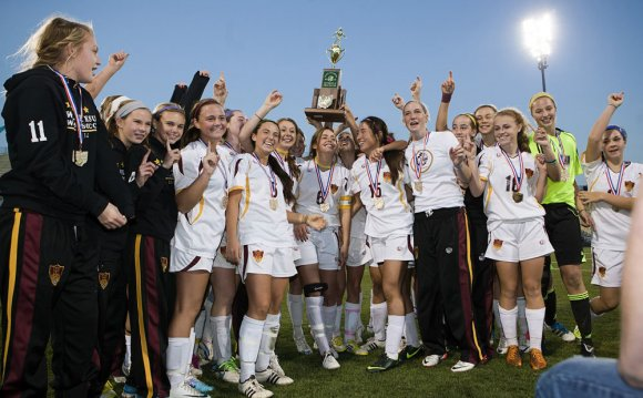 Walsh Jesuit defeats Columbus