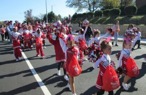 Cheerleaders_Parade