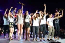 Taylor Swift lights up concert with US Women's Soccer&nbspteam